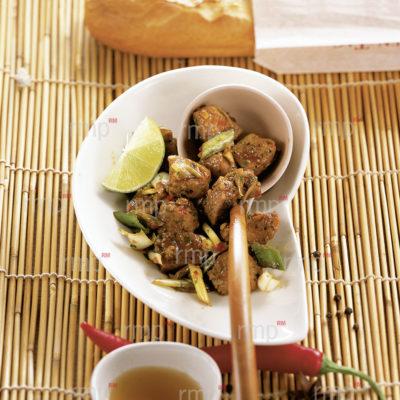 Asien_Vietnam_Schweinefleisch mit Kokos